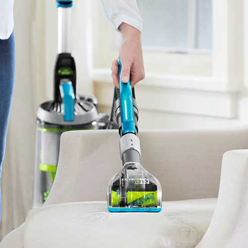 how to clean oil off vacuum cleaner