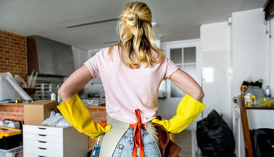 Get Fit While You Clean with These 7 Calorie-Burning Chores